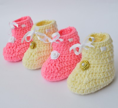 Love Crochet Art Cute Crochet baby booties woolen booties for 0 to 6 months baby - set of 2 booties Booties(Toe to Heel Length - 8 cm, Multicolor)