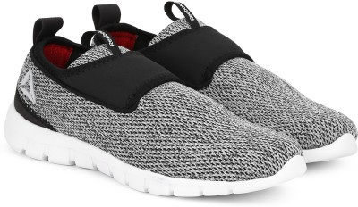 271b0ecaccc7 35% OFF on REEBOK TREAD WALK LITE Walking Shoes For Men(Grey) on Flipkart