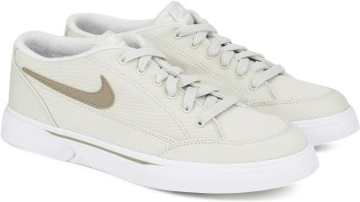 Nike NIKE GTS '16 TXT Sneakers For Men(Khaki, Off White) 1