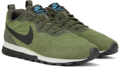 Nike NIKE MD RUNNER 2 ENG MESH Sneakers For Men(Green) 1