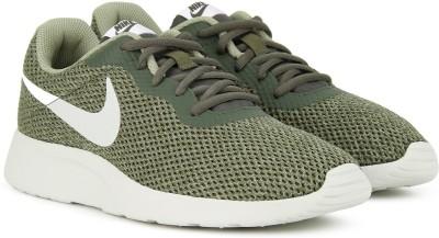 Nike NIKE TANJUN SE Sneakers For Men(Green) 1