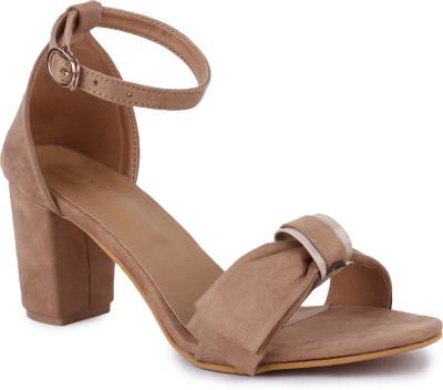 https://rukminim1.flixcart.com/image/400/400/jihqljk0/sandal/4/y/k/ls-2581-43-london-steps-cream-original-imaf6a947zzutyfz.jpeg?q=90