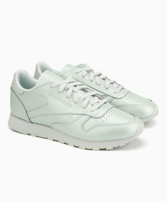 REEBOK CLASSICS CL LTHR Running Shoes For Women(White) at flipkart