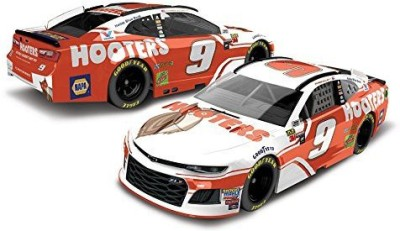 Lionel Racing Chase Elliott 2018 Hooters NASCAR Diecast 1:64 Scale(Multicolor)