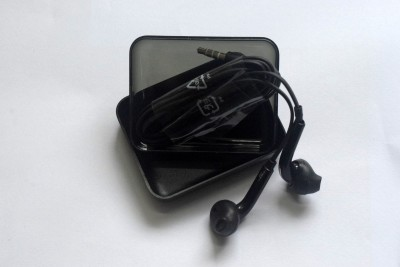 Techholic Black In-Ear Wired Headset with Mic(Black, In the Ear)
