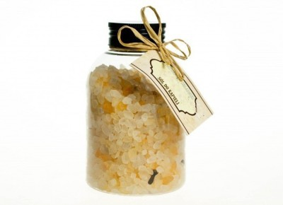 ADVAIT ABEER NATURAL LUXURIOUS BATH SALT (SWEET VANILLA N CLOVE)(250 g)