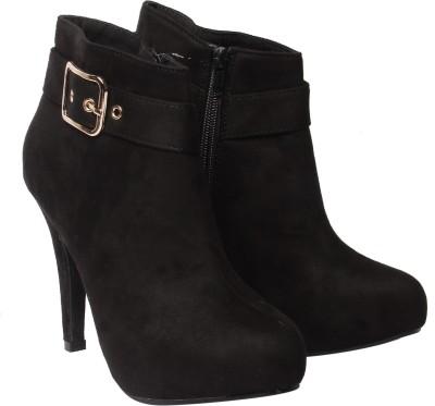 Klaur Melbourne Boots For Women(Black) at flipkart