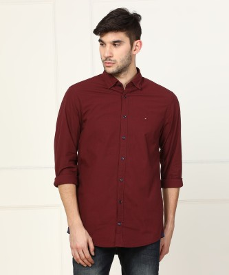 Tommy Hilfiger Men Self Design Casual Maroon Shirt