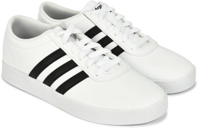 ADIDAS EASY VULC 2.0 Sneakers For Men(White)