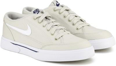 Nike GTS '16 TXT Sneakers For Men(Beige) 1