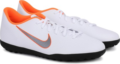 Nike VAPOR 12 CLUB TF Football Shoes For Men(White)