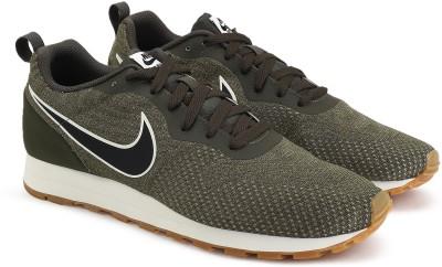 Nike MD RUNNER 2 ENG MESH Sneakers For Men(Green) 1