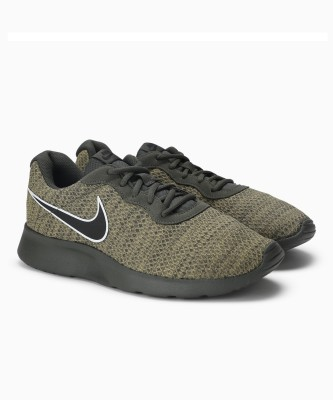Nike TANJUN PREM Sneakers For Men(Green) 1