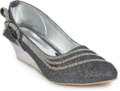 London Steps Women Grey Wedges