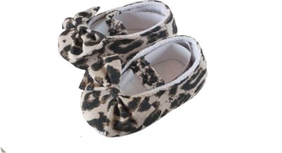 babbly Booties(Toe to Heel Length - 10 cm, White & Black)