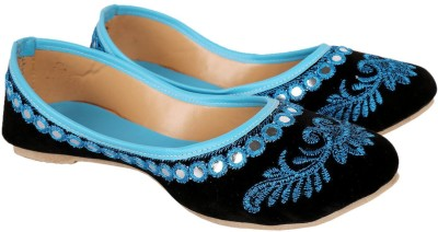 Classic Touch Jutis For Women