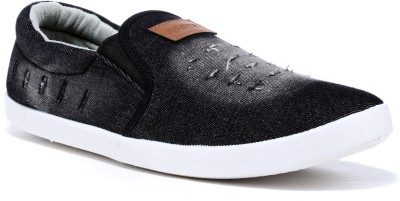 SPARX Sneakers For Men White, Black SPARX Casual Shoes