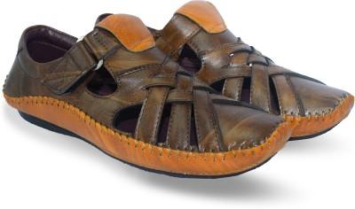 GLOSSY LIFE Men Brown Sandals