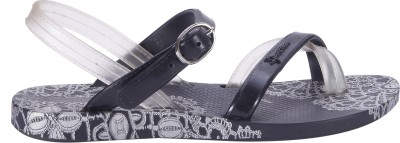 Ipanema Girls Buckle Strappy Sandals(Black) at flipkart