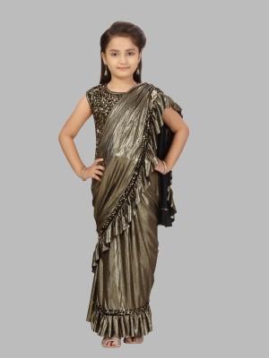 Aarika Embellished Fashion Velvet Saree(Gold)