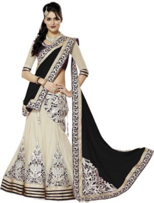 Sangi Embellished Lehenga, Choli and Dupatta Set(Black)