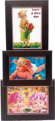 https://rukminim1.flixcart.com/image/400/400/normal-photo-frame/t/r/4/07x0030c024xths-art-n-hub-wall-hanging-collage-3-photos-frame-h-original-imaegmhkmy8tduzt.jpeg?q=90