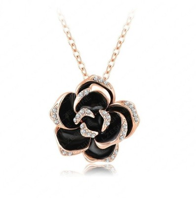 WearYourFashion Austrian Flower Gold-plated Crystal Alloy Pendant