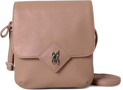 Baggit Lmp Chime Whistle Beige Mobile Pouch(Beige)