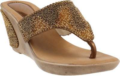 Mochi Women 28,Antiq-Gold Wedges at flipkart