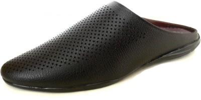 Footgear Men Black Sandals at flipkart