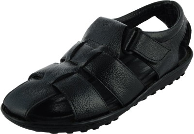 Macven Men BLACK Sandals at flipkart