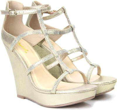 QUPID Women CPMFB Wedges at flipkart