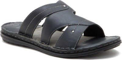 Red Tape Men BLACK Sports Sandals at flipkart