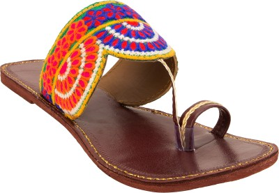 https://rukminim1.flixcart.com/image/400/400/sandal/t/f/y/maroon-fs467-68-royal-collection-5-original-imaebzzhh68zhyzc.jpeg?q=90