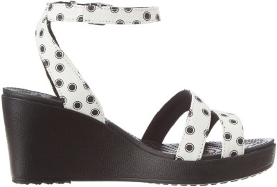 https://rukminim1.flixcart.com/image/400/400/sandal/u/y/h/black-15313-crocs-7-original-imaeghvterkpd3qd.jpeg?q=90