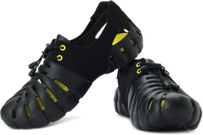 Globalite Men Black, Yellow Sports Sandals at flipkart