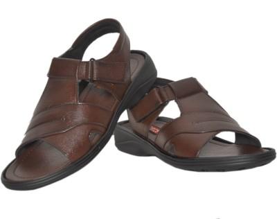 https://rukminim1.flixcart.com/image/400/400/sandal/y/r/w/brown-9057-gid-azzaro-black-8-original-imae66776mfgv4vz.jpeg?q=90