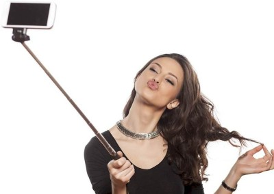 Mezire Bluetooth Selfie Stick(Black, Remote Included)