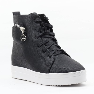 Shuberry Sneakers(Black) at flipkart