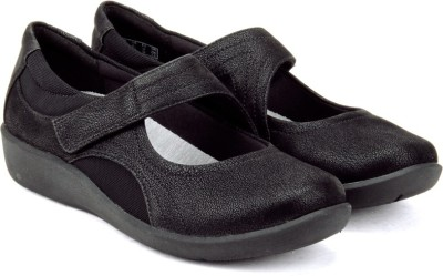 Clarks Sillian Bella Black Bellies(Black) at flipkart