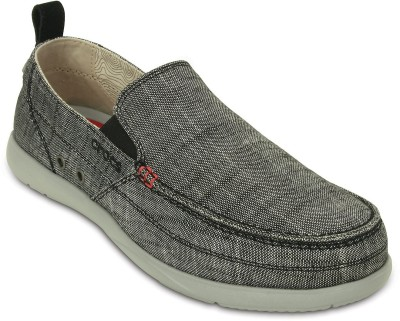 Crocs Casual Shoe(Grey) at flipkart