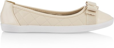 Solovoga 169-HEBOW Bellies(Beige) at flipkart
