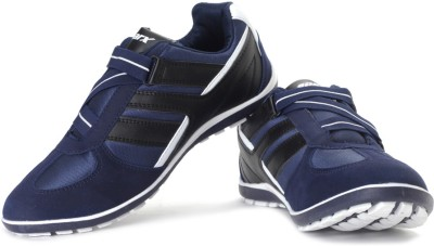 679c9953b 10% OFF on Sparx SM-202 Sneakers For Men(Black