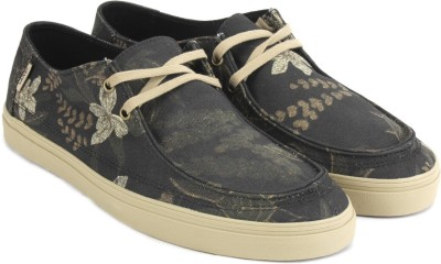 65% OFF on Vans RATA VULC SF Sneakers For Men(Olive) on Flipkart ... 0d9939741