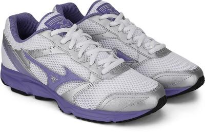 Mizuno Maximizer 18 Running Shoes(White, Grey, Purple) at flipkart