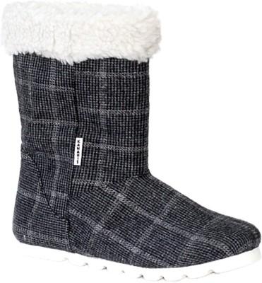 Kanabis Trendy and Elegant Boots(Black) at flipkart