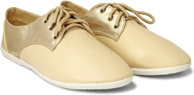 20 Dresses I Am So Fancy Casual Shoes(Beige, Gold)