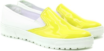 Knotty Derby Loafers For Women(Yellow) at flipkart