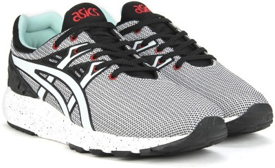 Asics TIGER GEL-KYN TRNR EV Sneakers(White) at flipkart