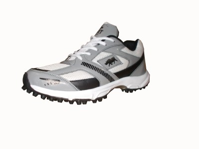Port Player 136 Cricket Shoes For Men(White)